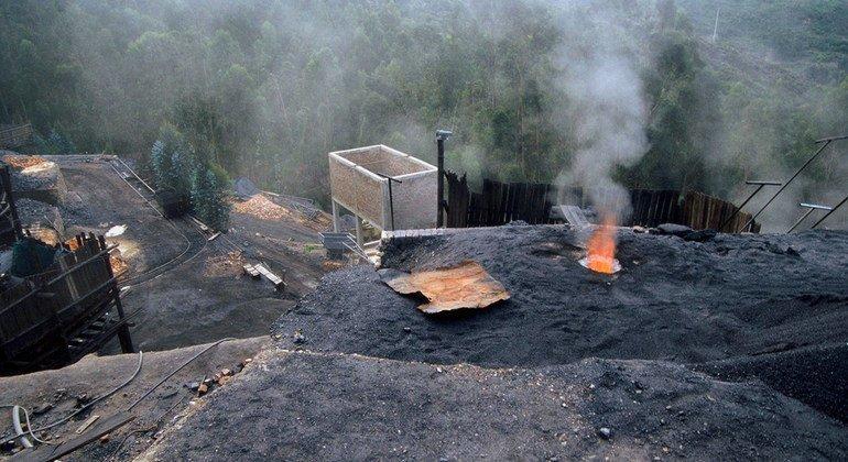 Minas de carbón afuera de Samaca, en Colombia.