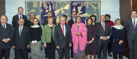 El Secretario General con los miembros de la Junta Consultiva de Alto Nivel sobre Mediación.