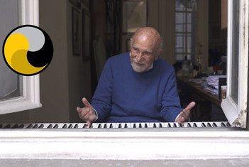 Шимон Гроновский играл джаз для соседей-брюссельцев, когда город был на карантине