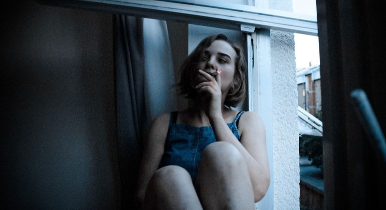Nine in 10 smokers start before they are 18 years old, warns WHO