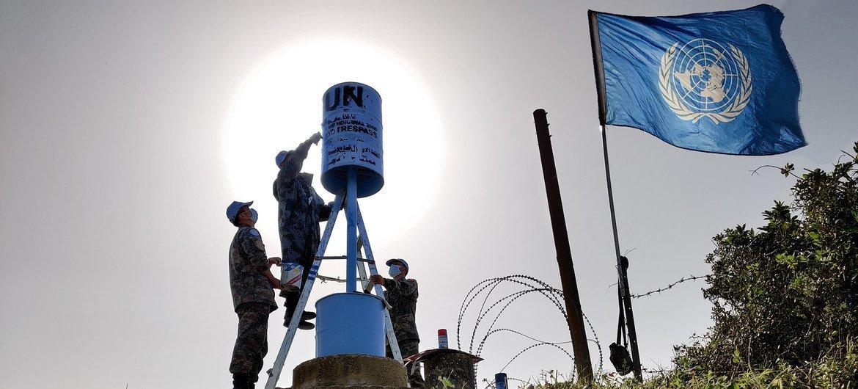 维和官兵执行蓝线维护任务