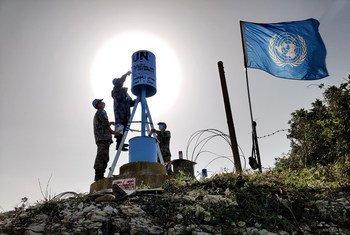 قوات اليونيفيل على طول الخط الأزرق.