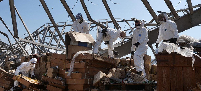 贝鲁特港口搬运倒塌钢结构钢材