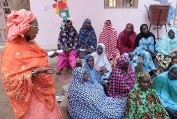 تتحدى المرأة في مالي  الصراع وتبني السلام.