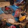طفل إثيوبي لاجئ نائم في موقع حمداييت في السودان.