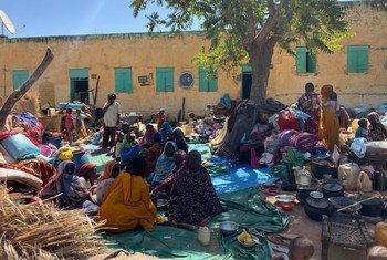 La violencia entre comunidades en el estado sudanés de Darfur occidental ha obligado a muchas personas a huir de sus hogares en los alrededores de la ciudad de El Geneina.