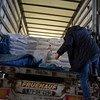 На семи грузовиках ВОЗ доставила в Сирию 55 тонн медикаментов и медицинских принадлежностей.