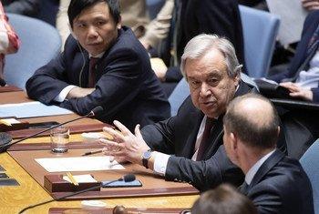 联合国秘书长安东尼奥·古特雷斯出席安理会关于叙利亚问题的紧急会议。