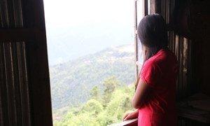 """В связи с пандемией, по данным ЮНФПА, в мире резко увеличится число случаев домашнего насилия, детских браков и """"женского обрезания""""."""