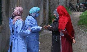 叙利亚的外联工作人员表示,他们担心宵禁下妇女和女孩的脆弱性。