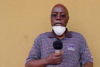 Adrien Bali, mwenye umri wa miaka 56 akizungumza katika hospitali ya Mtakatifu Joseph mjini Kinshasa, nchini DRC baada ya kupona COVID-19.