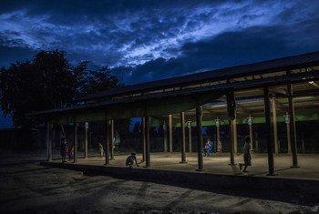 缅甸北部的一个境内流离失所者营地。(档案照片)