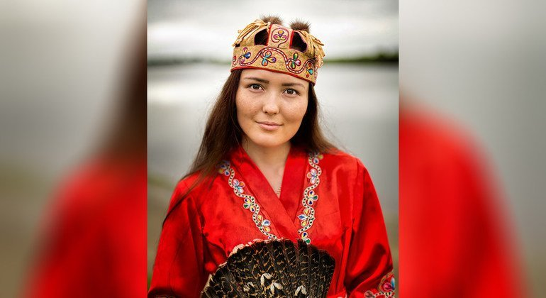 Mulher Negidal, Rio Amgun, Extremo Oriente da Sibéria, Rússia