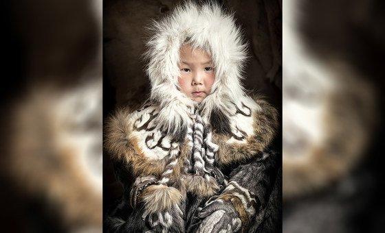 Menina Even, República de Sakha, Nordeste da Sibéria, Rússia