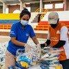 Des paniers alimentaires sont distribués aux populations colombiennes et migrantes vulnérables à Bogotá, en Colombie.