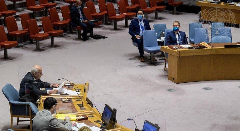 مراقب فلسطين الدائم لدى الأمم المتحدة، رياض منصور، في جلسة لمجلس الأمن حول الوضع في الشرق الأوسط بما فيها القضية الفلسطينية.