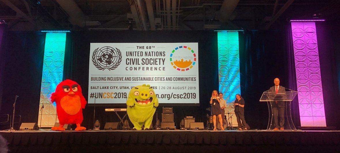 美国犹他州盐湖城第68届联合国公民社会会议上亮相的《愤怒的小鸟》。(2019年8月28日)
