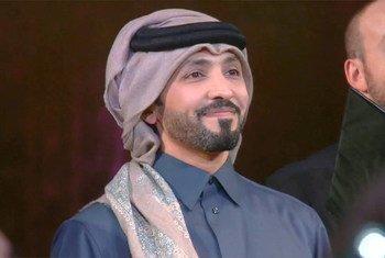 الفنان القطري فهد الكبيسي خلال مشاركته باحتفالات يوم الامم المتحدة