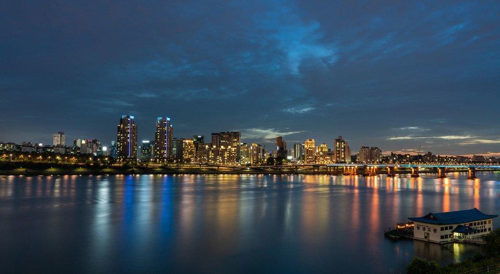 Les villes, comme ici Seoul, la capitale de la République de Corée, sont de grosses consommatrices d'énergie.