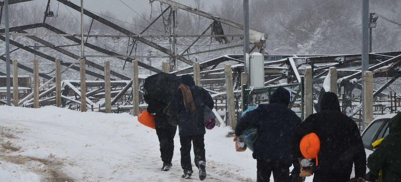 В конце декабря пожар практически полностью уничтожил палаточный лагерь в Липе в Боснии и Герцеговине