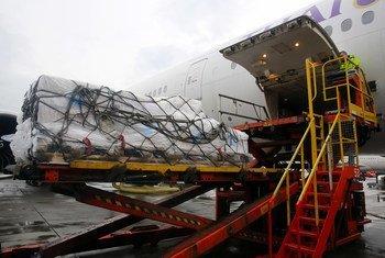 A Copenhague, au Danemark, un avion chargé d'équipements de protection contre le coronavirus envoyé en Chine fin janvier.