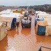 Десятки тысяч палаток в лагерях для внутренних переселенцев на северо-западе Сирии стали непригодными для жизни. Январь 2021 года.