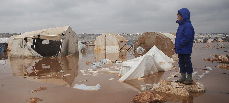 Разруха, экономический коллапс, миллионы беженцев и переселенцев - вот во что превратил когда-то процветающую Сирию 10-летний конфликт