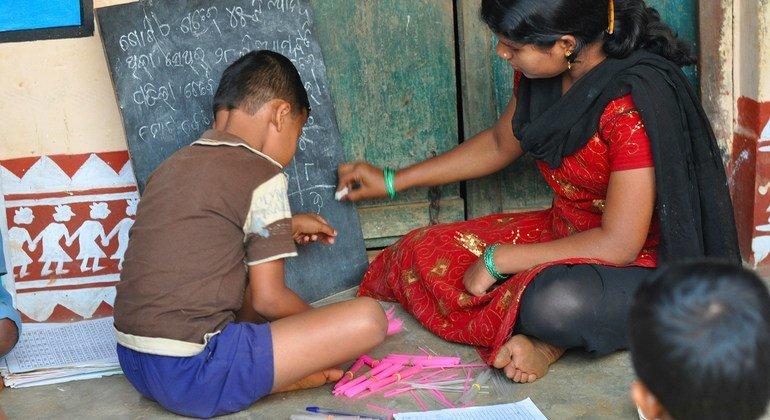 سيصبح أكثر من 100 مليون طفل تحت الحد الأدنى لمستوى الكفاءة في القراءة بسبب تأثير كوفيد-19 على المدارس.