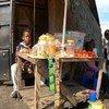 Cornell Mbonyi akisaidia familia yake kuuza genge lao nyumbani Goma, mij mkuu wa jimbo la Kivu Kaskazini nchini Jamhuri ya Kidemokrasia ya Congo, DRC.