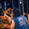 新冠疫情重创巴西期间,难民署为在该国北部博阿维斯塔市露宿街头的委内瑞拉人提供援助。