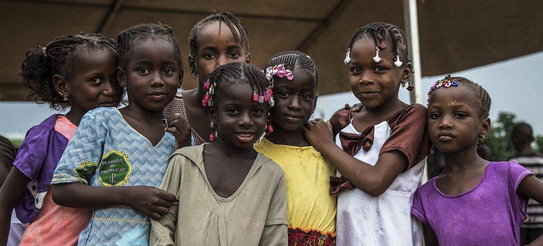 La MINUSMA et ses partenaires, ont organisé des Podium de la Paix à Bamako, Mopti, Tombouctou et Gao, une vitrine pour que la jeunesse malienne s'exprime sur la Paix à travers la musique, le slam, le rap etc.
