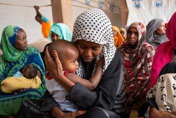 Dans la ville désertique isolée d'Agadez, au Niger, les demandeurs d'asile et les migrants vivent aux côtés d'hôtes nigériens.