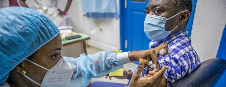 Aquisição das 400 milhões de doses foi viabilizada por bancos africanos