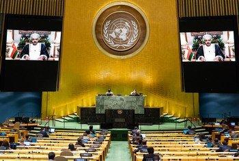بدر بن حمد بن حمود البوسعيدي، وزير خارجية سلطنة عمان، يلقي كلمة بلاده في المناقشة العامة للدورة الخامسة والسبعين للجمعية العامة.