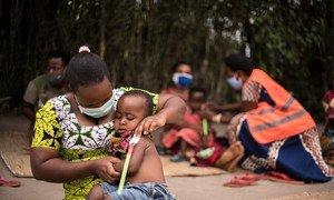 世界粮食计划署在乌干达的一个难民安置点开展预防性营养和治疗方案。