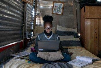 La pandémie de la Covid-19 a considérablement augmenté le trafic Internet, car de nombreuses activités se sont déplacées en ligne.
