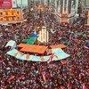 В Ливане не стихают массовые акции: десятки тысяч человек вышли на улицы, чтобы выступить против коррупции и злоупотреблений властью.
