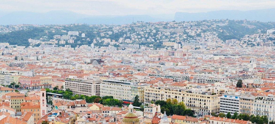 Nações Unidas condenaram um ataque terrorista que matou três pessoas na cidade de Nice, no litoral sudeste da França.