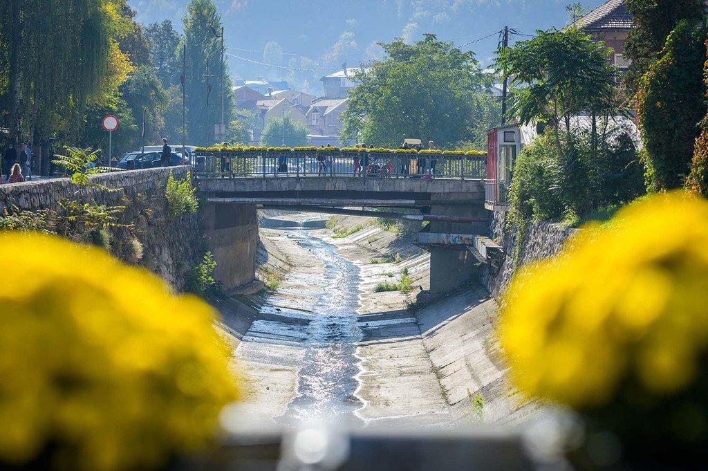 波黑工业重镇泽尼察正通过其在环境治理方面的努力向全世界表明,即便曾经遭受严重污染的城市,也能够转变为具有气候抵御能力的宜居之所。