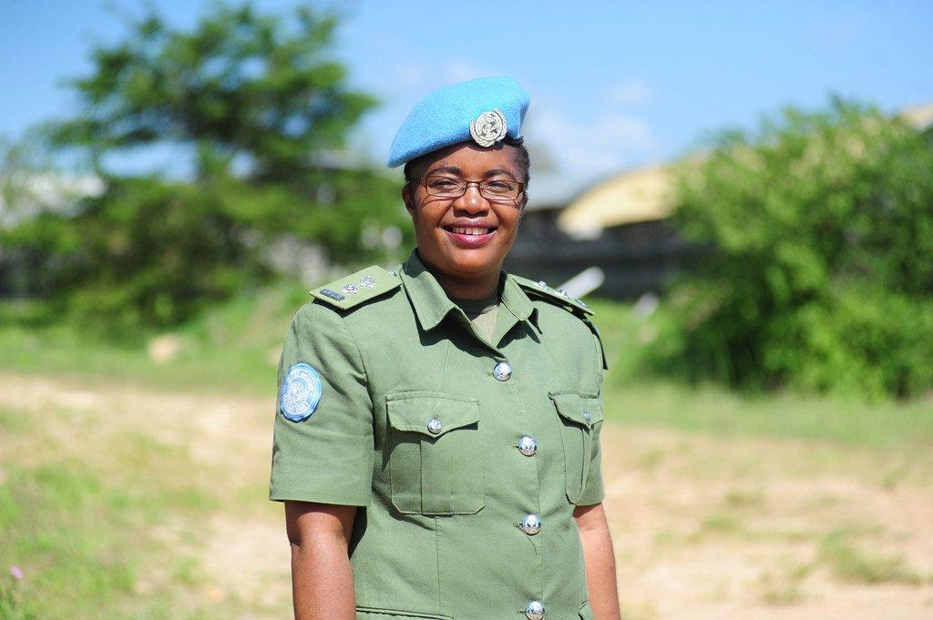 在联合国南苏丹特派团(UNMISS)任职的高级督察马拉博(Doreen Malambo)荣获2020年度联合国女警官奖。