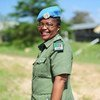 A boina-azul Doreen Malambo, da Zâmbia, é a vencedora do Prêmio da ONU para Mulher Policial do Ano.