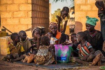 """Dois terços da população mundial vivem nessas nações e estão enfrentando """"danos econômicos sem precedentes"""""""