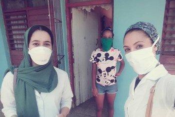 Maglaha Jatri Aduh, dos refugiadas saharauis estudiantes de medicina en Cuba.