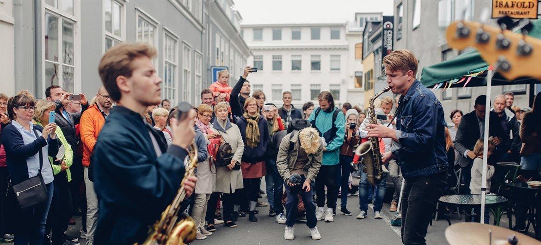 في اليوم الدولي لموسيقى الجاز، فلنتشارك الثقافات، وبغض النظر عن مكان وجودنا، لنحتفل برؤية السلام التي غيرت العالم إلى الأبد بشجاعة ووحدة.