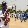 Une campagne de sensibilisation du public aux dangers de la Covid-19 a lieu dans la capitale du Tchad, N'Djamena.