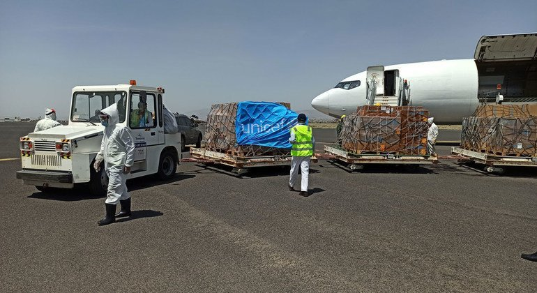 Photo of Yemen: Amid spike in COVID-19 cases, UNICEF airlifts in badly needed health supplies