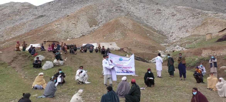 अफ़ग़ानिस्तान में कोविड-19 के कारण लागू तालाबन्दी में 15 लाख ख़ानाबदोश लोग भुखमरी और अन्य मुश्किलों का सामना कर रहे हैं.