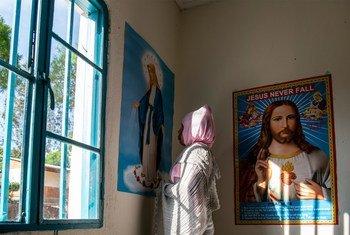 Samrawit, de 20 anos, da Eritreia, no Centro de Emergência do Acnur no Ruanda. Ela foi vítima de tráfico.