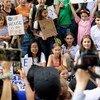 Greta Thunberg, ativista climática de 16 anos da Suécia, se une a jovens ativistas climáticos em protesto dem frente à sede da ONU em 30 de agosto de 2019.