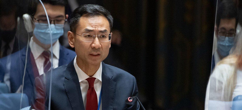 चीन के स्थाई उपप्रतिनिधि गेन्ग शुआँग अफ़ग़ानिस्तान के मुद्दे पर सुरक्षा परिषद की बैठक को सम्बोधित करते हुए.